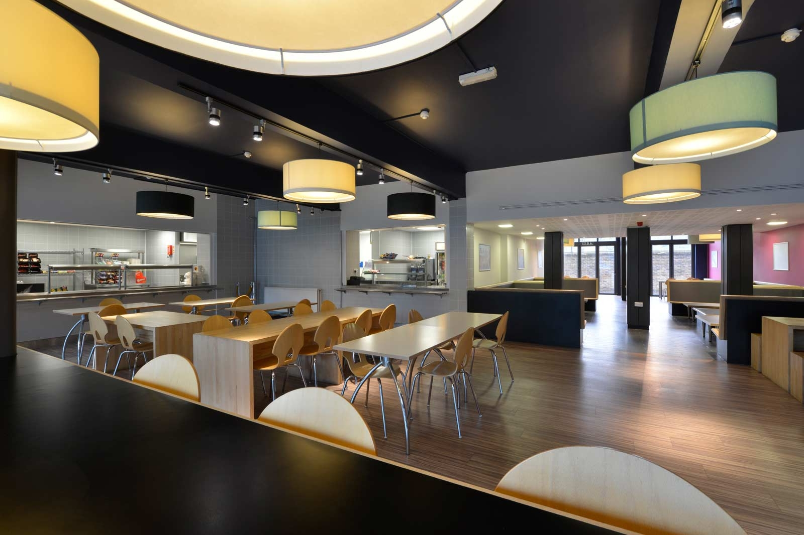 Graham Rivers Architects College Cafeteria